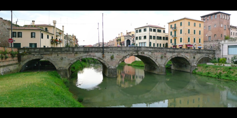 7da3f47185 Bridge and Porta Molino - Padua | ZonzoFox
