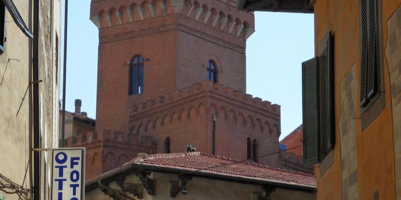Casa torre di via ulisse dini pisa zonzofox for Piani di casa torre