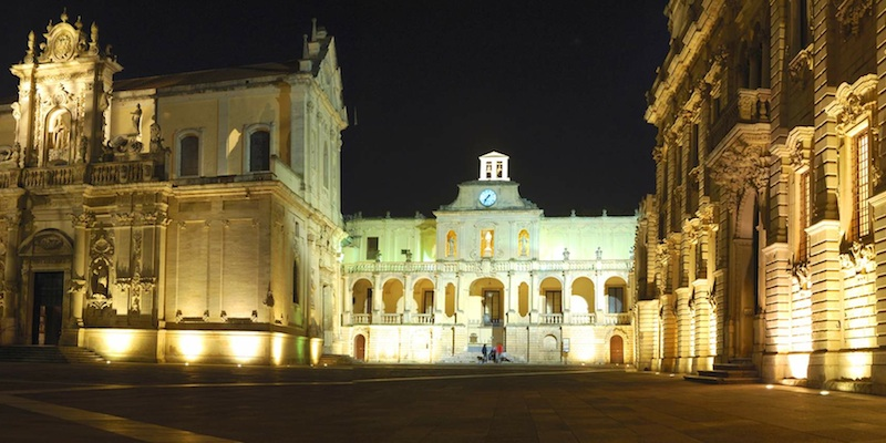 Walk in Lecce by night
