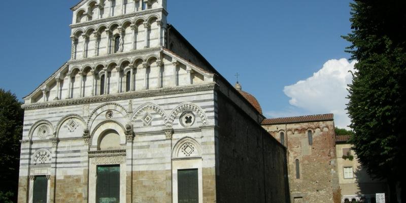 Romanic Churches in Pisa
