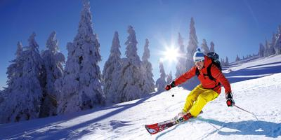 Abetone Mountain Full-Day Ski Tour from Tuscany